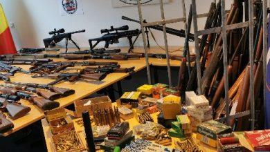 Photo of بروكسيل: حجز ترسانة كبير من الأسلحة وعربات فاخرة وذخيرة