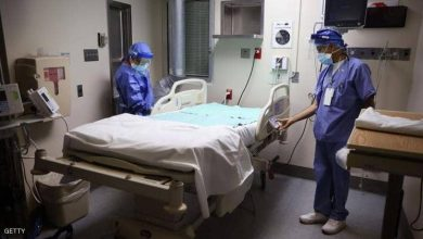 "Photo of 4 حالات ""مقلقة"": مستشفى أمريكي يوقف تطعيم كورونا"