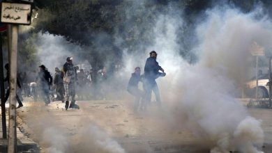 Photo of تونس: اشتباكات بين الشرطة ومحتجين بعد وفاة شاب أصيب في مظاهرة الأسبوع الماضي