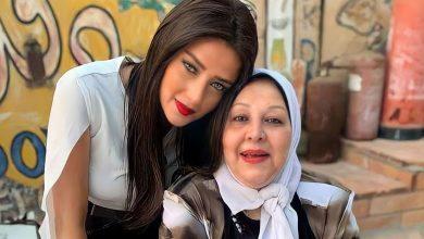 Photo of رضوى الشربيني تعلن وفاة والدتها متأثرة بفيروس كورونا