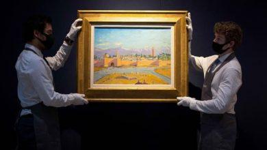 "Photo of أنجلينا جولي تبيع لوحة تاريخية لـ""مسجد مراكش"" بـ 11.5 مليون دولار"