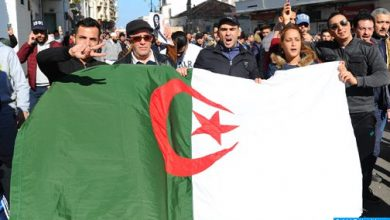 Photo of الجزائر: الطلبة يخرجون مجددا إلى الشوارع للمطالبة بالتغيير الجذري