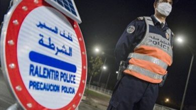 Photo of الأمن يعتقل 5 قاصرين وشخص راشد على متن دراجات نارية اقتحموا نقطة للمراقبة الأمنية