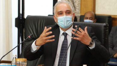 Photo of الدكتور الطيب حمضي: الإجراءات الوقائية تبقى الحل الوحيد حاليا للحماية والتقليل من مخاطر حدوث طفرات جديدة