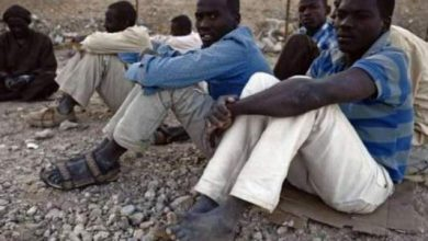 Photo of مئات المهاجرين الأفارقة يهاجمون مركزا حدوديا بمليلية بالحجارة وثلثهم ينجح في المهمة