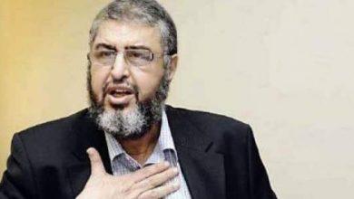 """Photo of فيديو: لحظة القبض على الشاطر نائب مرشد """"الإخوان"""" وإيداعه السجن"""