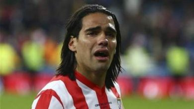 Photo of صورة.. صحفي إسباني يفضح فالكاو ويكشف عمره الحقيقي!