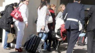 "Photo of لماذا تم منع 25 فتاة من السفر إلى ""الإمارات""؟"