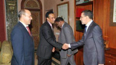 Photo of بالصور: هكذا ترك العثماني مكتبه وهكذا ودع موظفي وزارة الشؤون الخارجية