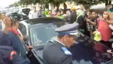 Photo of فيديو : محاصرة المعطلين بنكيران من جديد