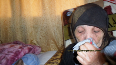 "Photo of بالفيديو: العجوز ""حادة"" تروي لـ""أكورا"" قصتها مع ابنها الذي اتهمها بسرقة الخبز وأكله !!"