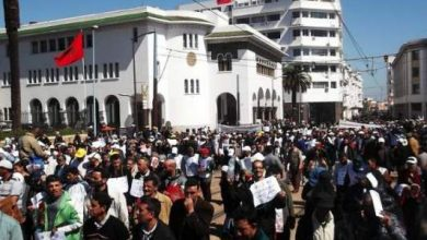 Photo of عشرات الآلاف يحتجون في مسيرة ضد بنكيران وشعارات تطالب برحيله