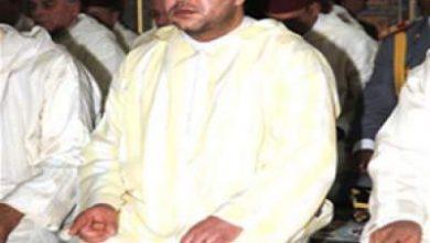"""Photo of الملك محمد السادس يؤدي صلاة الجمعة بمسجد """"حي السلام"""" بالداخلة"""