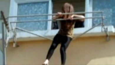 Photo of فيديو: حين كتم الجميع أنفاسهم.. أنقذوها قبل موتها بلحظة واحدة