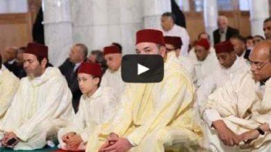 Photo of الملك محمد السادس والرئيس التونسي يصليان صلاة الجمعة بتونس