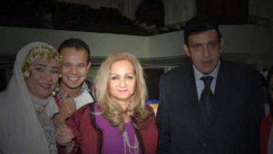 Photo of بالصورة:والدة منى زكي في أحدث ظهور لها