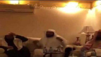 Photo of لحظة استقبال الشيخ العريفي بعد الافراج عنه