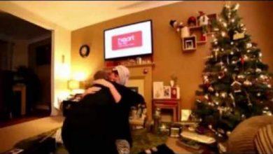 Photo of بالفيديو.. بطريقة ذكية شاب يفاجئ حبيبته ويطلب الزواج منها
