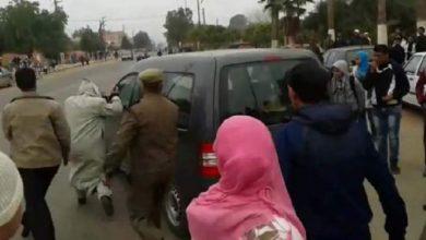 Photo of بني ملال : اتهامات لرئيس جماعة أولاد امبارك بالفساد والقوات العمومية تتدخل لتوفر له الحماية (فيديو)