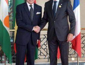 Photo of مزوار يلتقي وزير الخارجية الفرنسي ويعقد معه ندوة صحفية مساء غد الاثنين