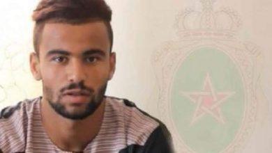 Photo of لاعب الجيش الملكي المهدي برحمة يعانق الحرية