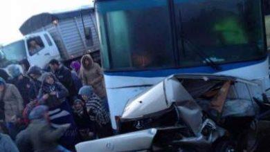 Photo of وفاة ثلاثة أشخاص في حادثة سير مروعة