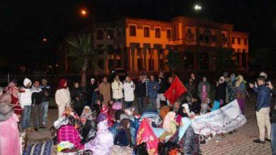 Photo of نساء دوار السميرية يفترشن الأرض ويلتحفن بالسماء والسلطات تلتزم الصمت