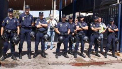 Photo of الحرس  المدني الإسباني يفكك شبكة لتهريب الأسلحة النارية من 7 أفراد