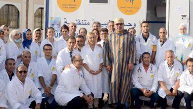 Photo of الملك محمد السادس يزور القافلة الطبية التضامنية بمديونة