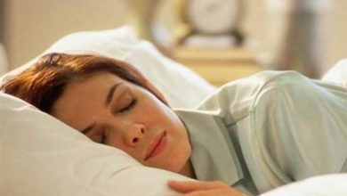 Photo of النوم على الشق الأيمن يساعد على النوم السريع والهادئ