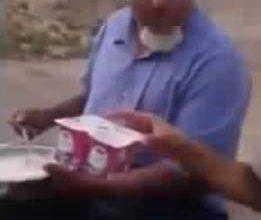 Photo of مسن مغربي يأكل أزيد من 60 علبة يوغورت