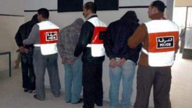 Photo of أمنيون وآخرون ادعوا الانتماء لشخصيات نافذة لإيهام الضحايا بالتوظيف وخصم الضرائب